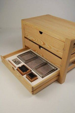 Andrew Knott_Date_and_Securing_Drawer