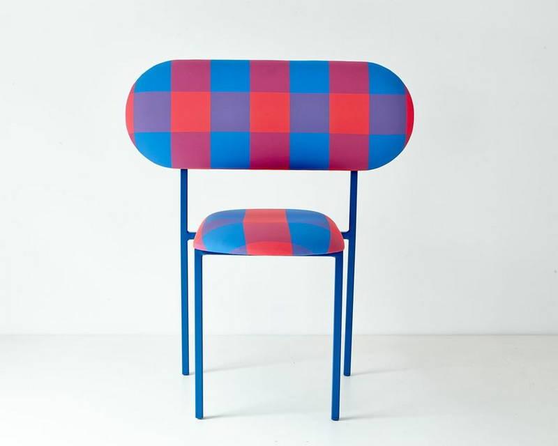 Le sedie vestite marc jacobs design street for Sedie vestite design