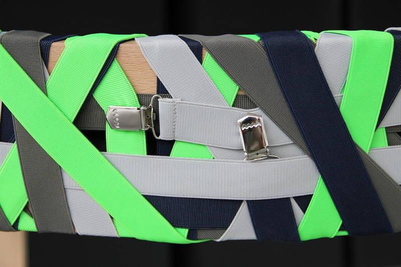 La sedia con le bretelle