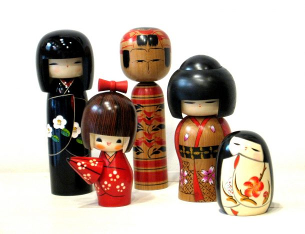 Bambole Kokeshi giapponesi