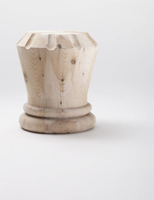 Alfiere, Regina e Pedone. 3 sgabelli in legno