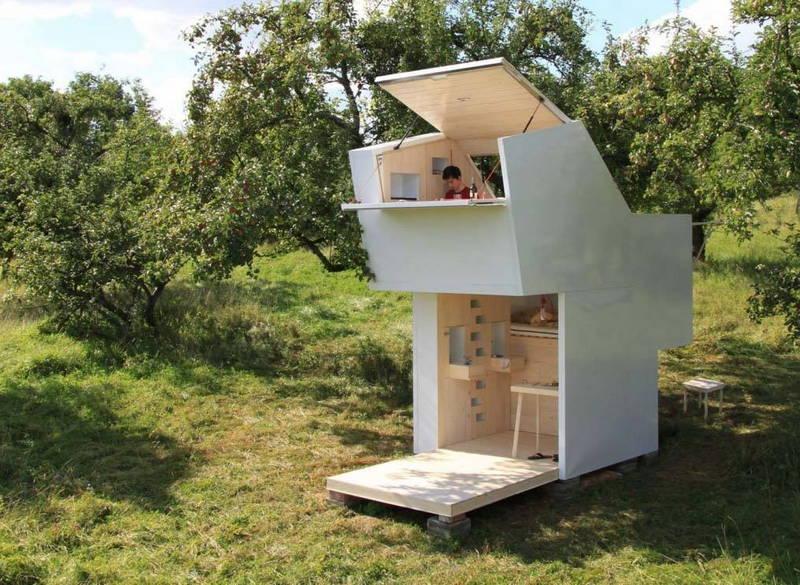 Una casetta per bambini a 2 piani design street for Piani di fattoria con veranda