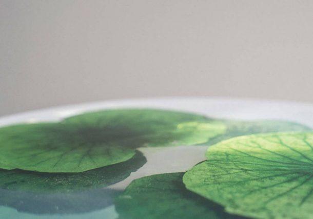 Float: il tavolino coi Fior di loto