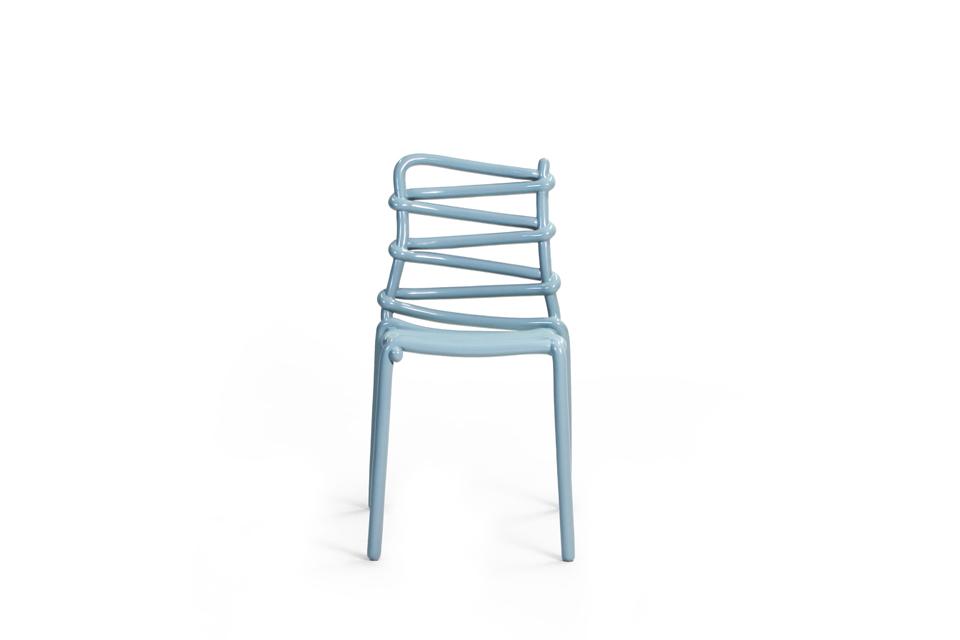 Loop chair la sedia che sembra un tratto a penna for La sedia nel design