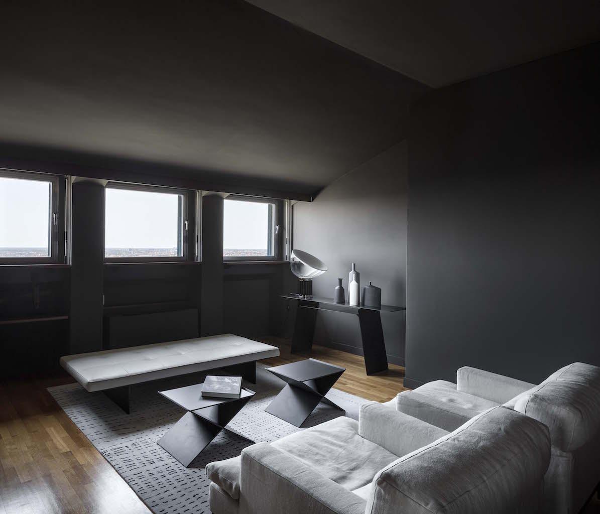 l 39 attico della torre velasca con la sua terrazza panoramica. Black Bedroom Furniture Sets. Home Design Ideas