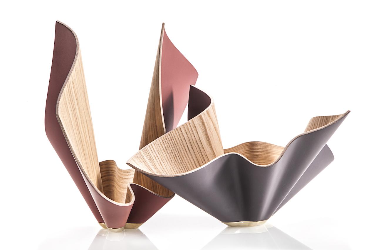 Una ciotola in legno curvato che sboccia come un fiore - Oggetti di design in legno ...