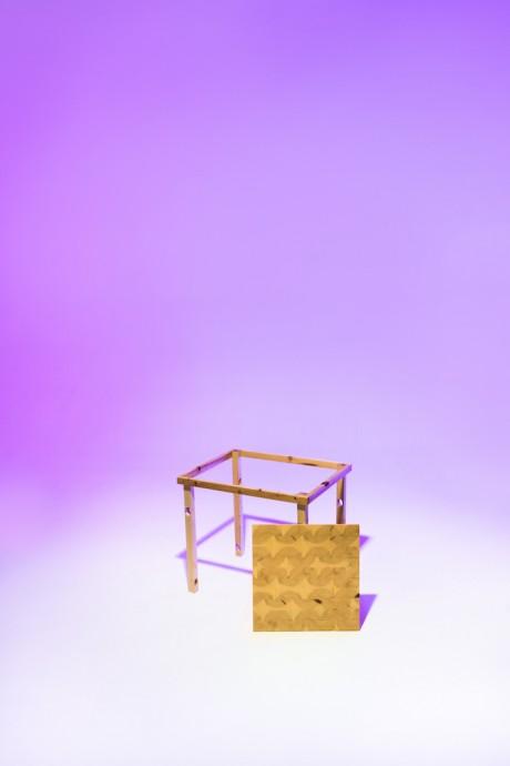 Tavolo luminoso in legno e resina
