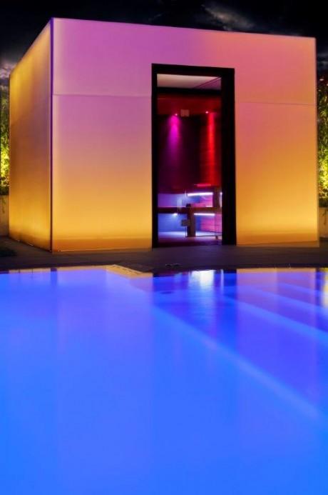 You Cube: un box per il benessere personale a bordo piscina