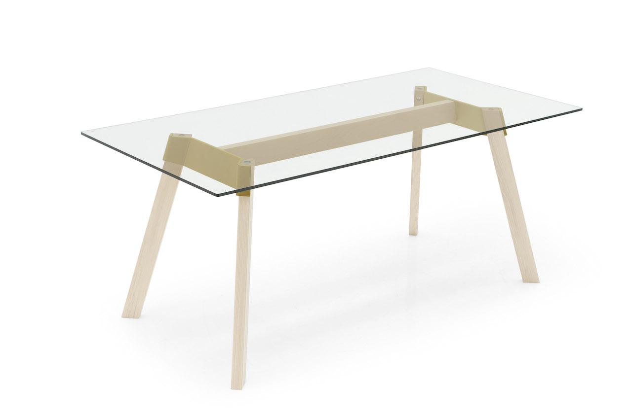 Il tavolo paper e la sedia bahia design giovane e colorato for Calligaris tavolo cristallo