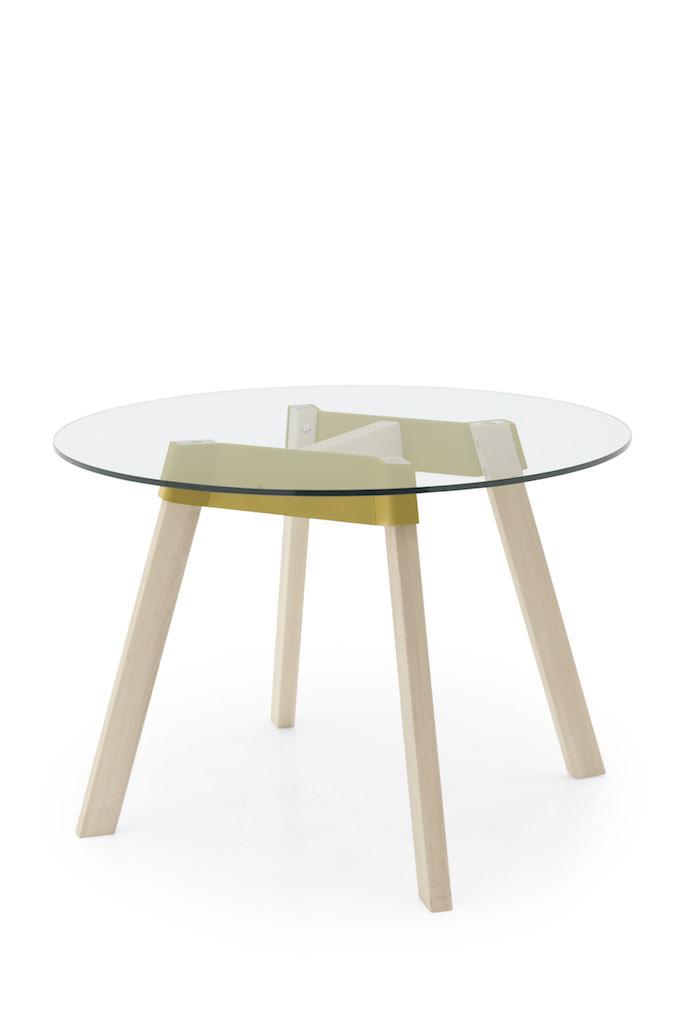 Il tavolo paper e la sedia bahia design giovane e colorato - Tavolo tondo estensibile ...
