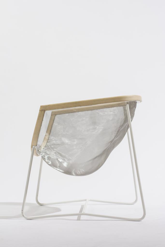 La sedia di design che segue e memorizza le forme for Sedia design svedese