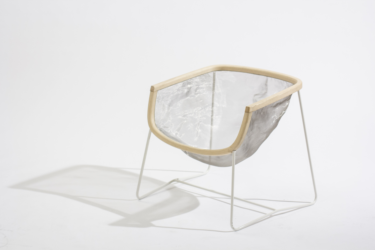 La sedia di design che segue e memorizza le forme for La sedia nel design