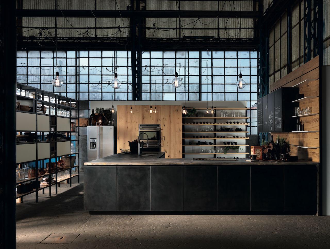 Materiali naturali e vissuti per una cucina vintage e for Arredamento industriale ikea