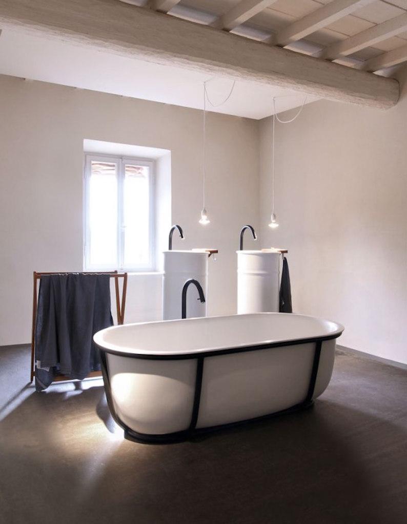 le nuove vasche firmate patricia urquiola per agape. Black Bedroom Furniture Sets. Home Design Ideas