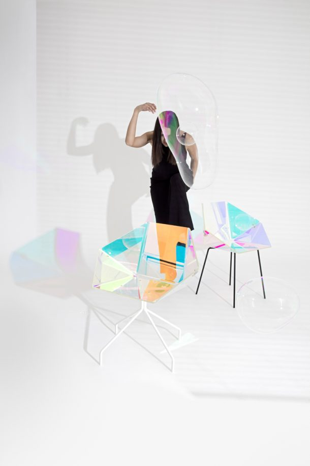 Prismania, la sedia cangiante