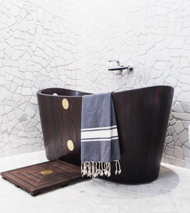 Khis Bath tub