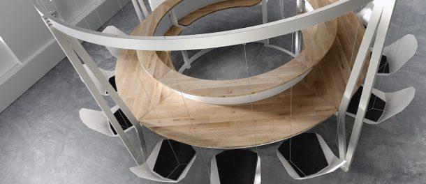 Swing Bar, il tavolo che simula un parco giochi
