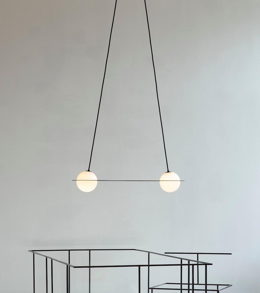 una collezione di lampade tra lo stile bauhaus e il. Black Bedroom Furniture Sets. Home Design Ideas