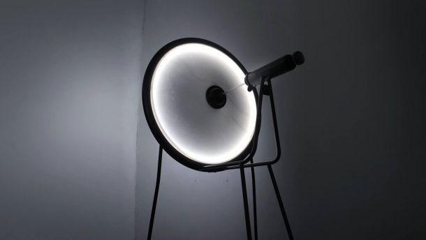 Black Hole, una lampada dinamica che si ispira al buco nero