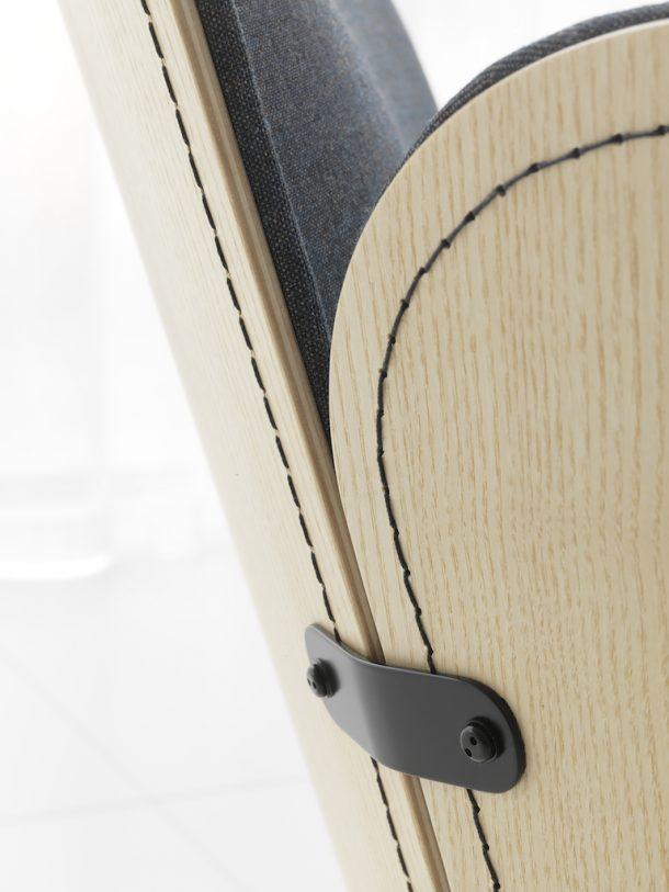Julius, la seduta in legno dai dettagli sartoriali