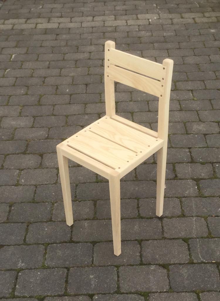 Le sedie in legno della snickarakademin design street - Costruire sedia a dondolo ...
