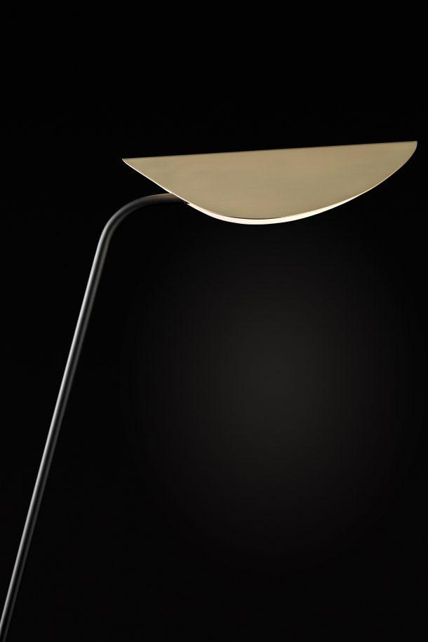 Plume, la lampada che reinterpreta lo stile Liberty