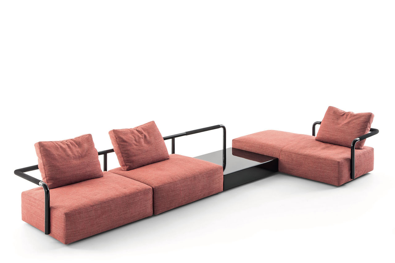 Soft props il divano modulare firmato cassina design street - Divano modulare economico ...