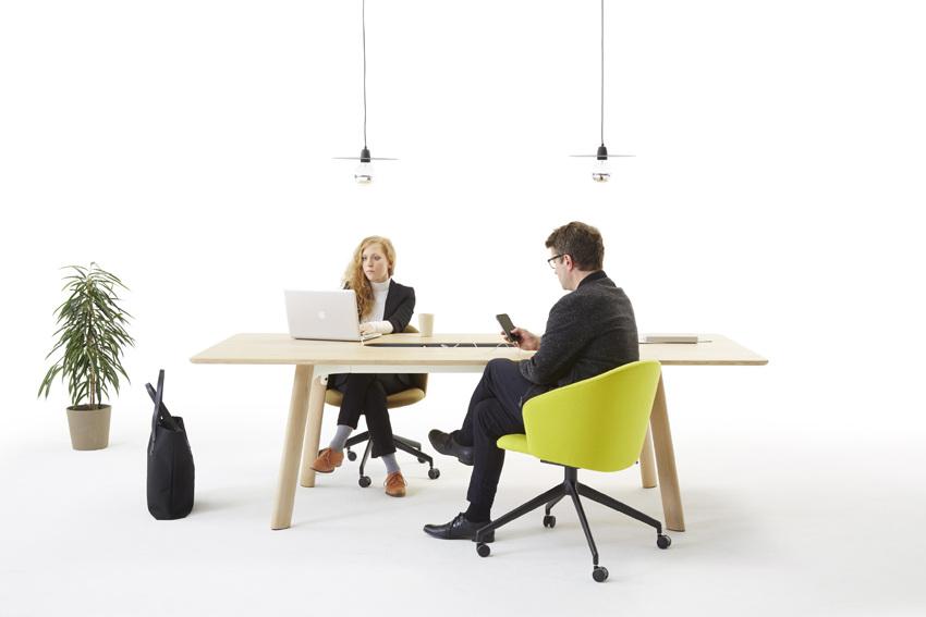 Diversi tavoli per soluzioni d ufficio intelligenti for Tavoli design occasioni