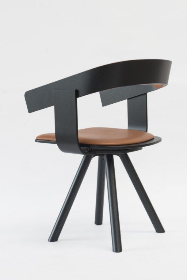 La sedia BuzziFloat di Alain Gilles