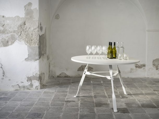 Twist Table. Design Thomas Schnur