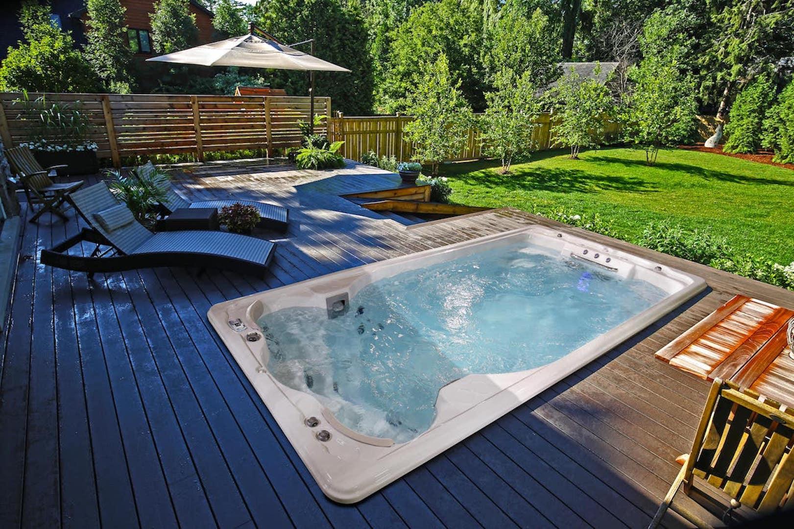 Swimlife di Jacuzzi: la vasca per il nuoto controcorrente