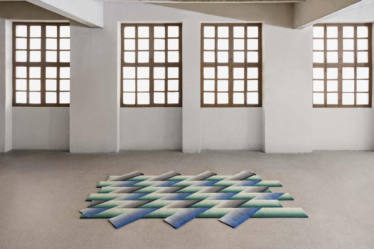Mirage i tappeti colorati come fasci di luce design street - Tappeti colorati ...