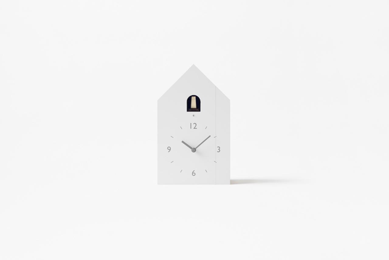 Cuckoo l elegante orologio a cuc dallo stile minimal for Casetta lemnos