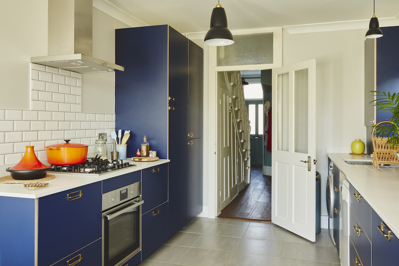 Lo studio HØLTE crea ante personalizzate per le cucine IKEA