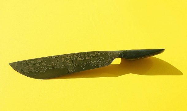 Il coltello da sashimi Infinit.oo in acciaio damascato