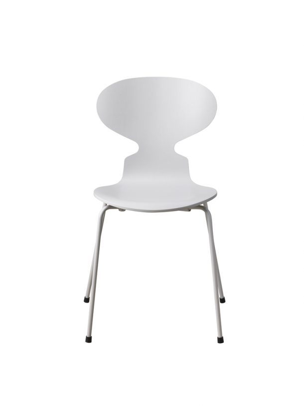 la Ant Chair di Arne Jacobsen (1952)