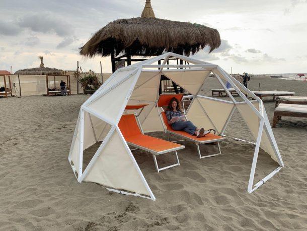 Strutture da spiaggia che garantiscono la sicurezza e le distanze