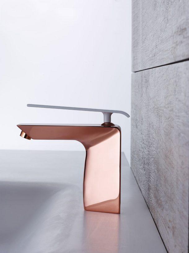 rubinetti di design in finiture metalliche