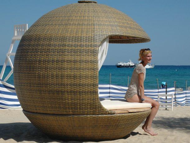Poltrone da spiaggia che garantiscono la sicurezza e le distanze