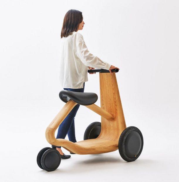scooter di legno