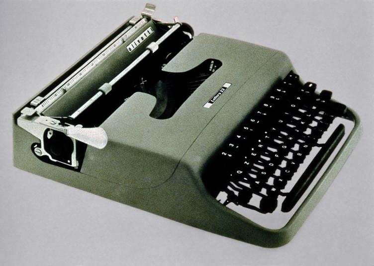 macchina per scrivere Lettera 22
